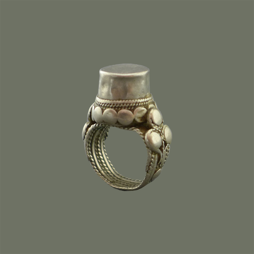 Vintage Tribal Yeman Bedouin Tower Tribal Silver Ring Treasured  Keepsake Early 1900/'s A Warrior Princess Ring A Talisman for sure